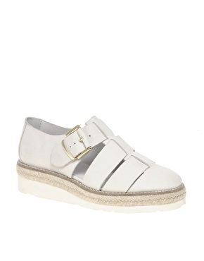 Great summer shoe with dresses and shorts