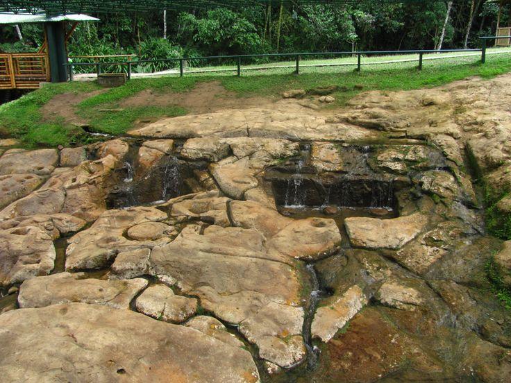 """Parque Arqueológico De San Agustín:  """"Fuente de Lavapatas"""" fuente ceremonial"""