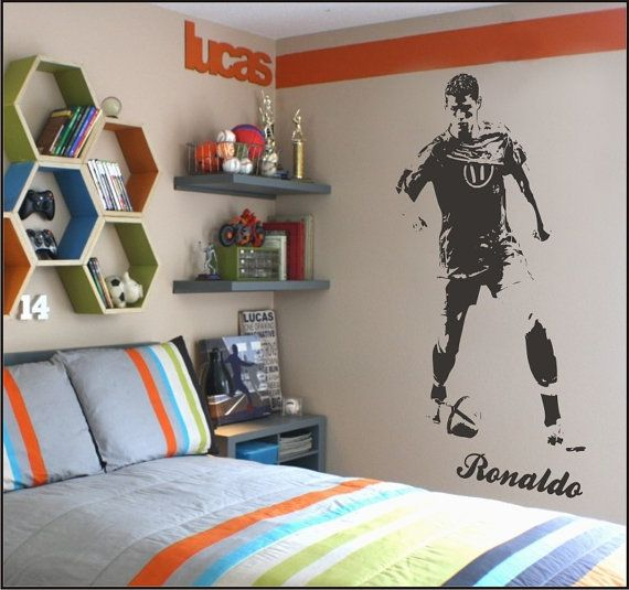 25 best ideas about cristiano r on pinterest ronaldo soccer cristiano ronaldo 7 and - Real madrid decorations ...