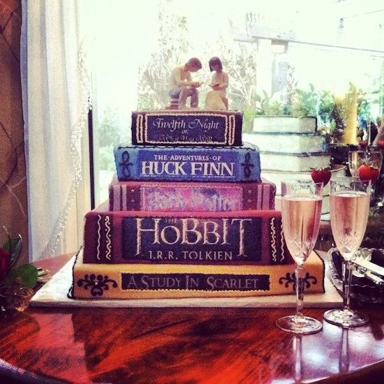 13 Nerdy Wedding Cakes for the Most Epic Reception Ever | Bustle