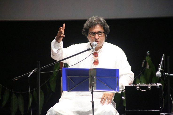 Renowned Ghazal singer, Talat Aziz, was with us at the campus to conduct a session with #WWIStudents, on the art of writing and singing ghazal,