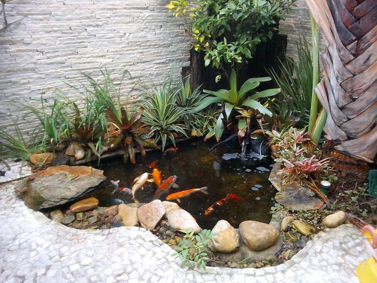 Jardim de inverno pequeno e simples com cascata paletes e for Como se hace un lago artificial
