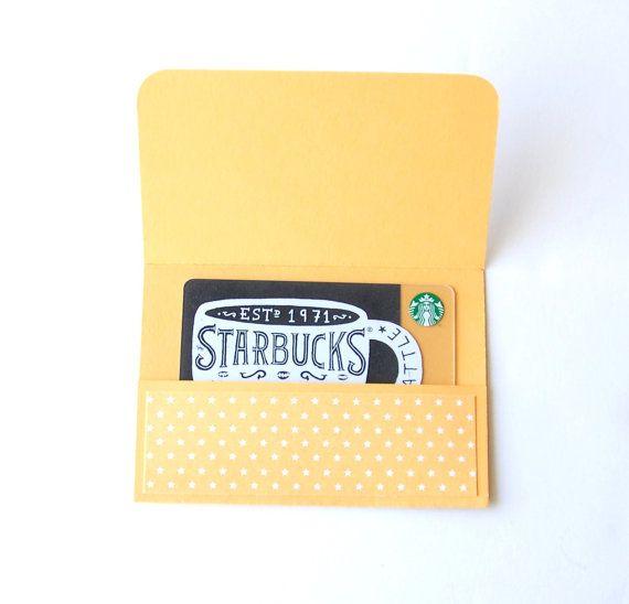 Ces détenteurs de cartes de cadeau Merci la main ajouter laspect fait main parfaite pour un cadeau acheté magasin.  Détenteurs dune carte cadeau viennent en six couleurs comme sur la photo.  Détenteurs de la carte mesurent environ 4 1/4 « x 3 » et parfaitement une carte-cadeau. (Carte Starbucks non inclus)