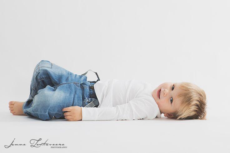 Ikuistetaan Tunne, lapsikuvaus ♥  #lapsikuvaus #studiokuvaus #ikuistetaantunne  #babyboy #studiophotography #valokuvaajasuomi  http://ikuistetaantunne.blogspot.fi/