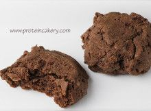 Prot: 9 g, Carbs: 6 g, Fat: 12 g, Cal: 164 -- These Chewy Chocolate Protein Cookies are gluten-free, dairy-free, vegan, and delicious! By Andréa's Protein Cakery Recipe Blog.