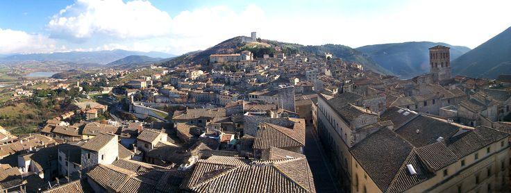 """""""conosciuta"""" da poco #Narni, come promesso ad un'amica, sarà una delle mie prossime mete da scoprire!  Comune di Narni \ Sindaco - Francesco De Rebotti \ Altitudine - 240 m s.l.m. \ Superficie – 197,86 km² \ Abitanti – 20.331 (01/01/2011) \ Densità - 102,75 ab./km² \ Frazioni – Borgaria, Capitone,Gualdo,Itieli,Montoro,Narni Scalo,San Liberato,Sant'Urbano,SanVito, Schifanoia,Taizzano,Testaccio,Vigne\ Nome abitanti - narnesi"""