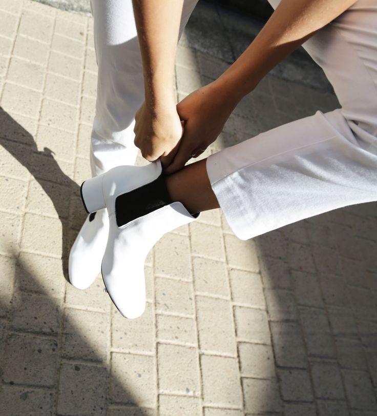 The White Edit: Bella Thomas wears 'Alby' White Capretto. #thewhiteedit x #tonybianco