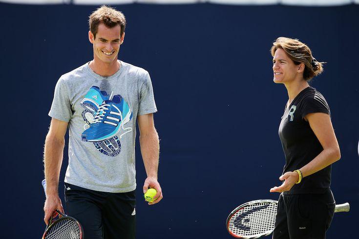 Mercoledì 11 giugno 2014 - Londra, Regno Unito Il tennista scozzese Andy Murray con il suo nuovo allenatore, l'ex tennista francese Amélie Mauresmo, durante un allenamento in vista del torneo del Queens. Mauresmo è stata scelta da Murray la scorsa domenica ed è l'unica donna ad allenare uno dei primi dieci tennisti nella classifica ATP.