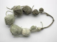 gestrickte Halskette von Marisa Ramirez