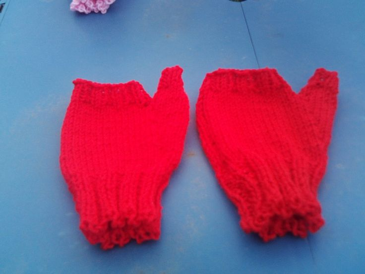 fingerless gloves by Bevshandmadecrafts on Etsy
