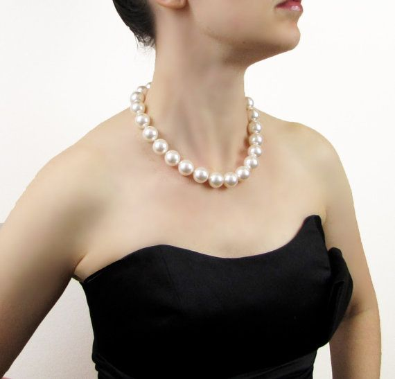 Hand Knotted Chunky Pearl Necklace Chunky Pearls by FauxShowPearls