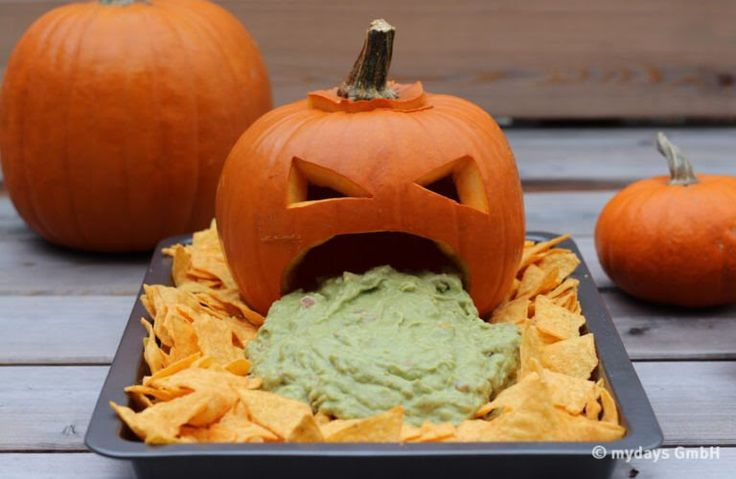 Halloween Rezepte. If you put Guacamole would be great! #halloween2017 #halloweenparty #halloweenfood | Halloween party | Halloween party ideas | Halloween food | Halloween 2017