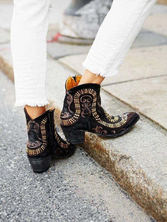 fd362238c5d PinterestTrends Cowboy boots en su versión más trendy. | Shoes ...