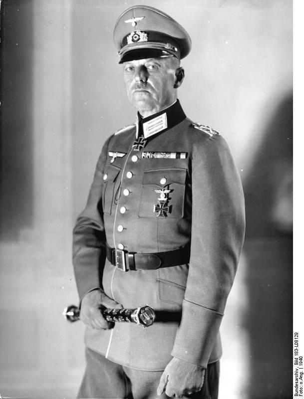 Karl Rudolf Gerd von Rundstedt (1875 – 1953). Karl Rudolf Gerd von Rundstedt, geboren 12 december 1875, Aschersleben, vlakbij Magdeburg, Duitsland. Overleden 24 februari 1953, Hannover, West-Duitsland  Een Duitse veldmaarschalk , die was een van Adolf Hitler's beste militaire leiders was, tijdens de Tweede Wereldoorlog. Hij vervulde commando's in zowel het Oost-en West-front. Hij speelde een belangrijke rol in het verslaan van Frankrijk in 1940, en bracht een groot deel van de oppositie…