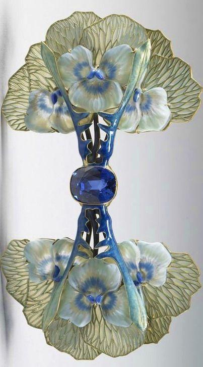 Lalique 1903 Pansy Brooch: enamel on gold, plique-à-jour enamel, cast glass,  sapphires. Walters Art Museum, Baltimore