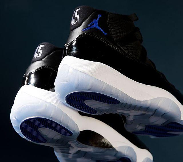 Air Jordan 11 Retro Space Jam Size Man Precio 289 Spain Portugal Envíos Gratis A Partir De 70 Www Loversneakers Com Love Air Jordans Sneakers Jordan 11