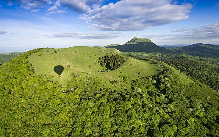 Découvrez sur le site Auvergne-Tourisme.info bons plans et idées pour réussir vos séjours et week-ends en Auvergne : randonnée, vélo, culture, loisirs, hébergements, agenda…