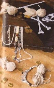Ahoy maatjes! Bereid je voor op een spannend piraten kinderfeestje thuis.