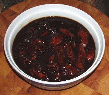 Een heerlijk Chinees-Indisch gerecht van kippenvlees in ketjapsaus. Ajam ketjap 2 is een Indonesisch kipgerecht bereid door de Happy Chief Cook.