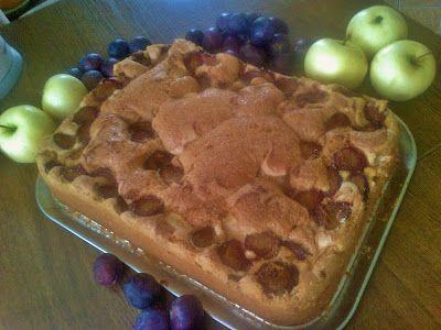 Ciasta ,Torty ,Uroczystości: Ciasto z jabłkami i śliwkami