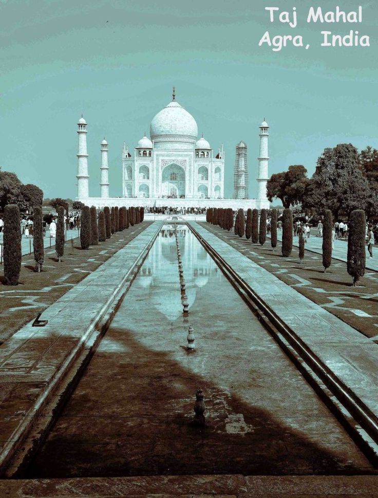The Taj Mahal view from the entrance gate.