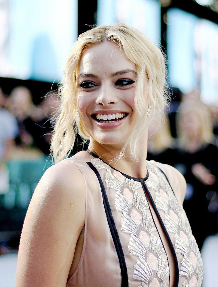 @LittleAmy21  Margot Robbie