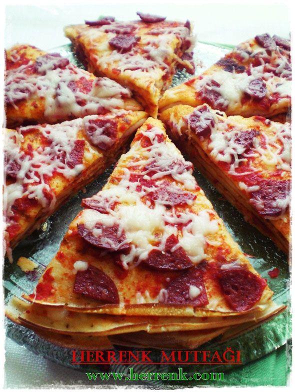 Krep Pizza Tarifi-krep hamuru tarifi,krep yap�m�,krep tarifi,kahvalt�l�k,pizza pancakes,krep nas�l yap�l�r,krepli,mayas�z krep hamuru,sade krep,krep hamuru haz�rlama,krep kabartma tozu kat�l�r m�,kolay pratik,krep,krep �evirme,ak�tma,krep �e�itleri,