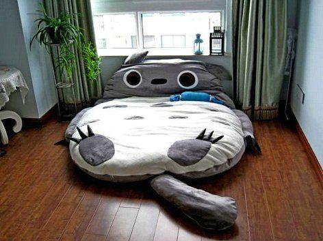Кровать Тоторо - надувной спальный мешок для малышей и их родителей