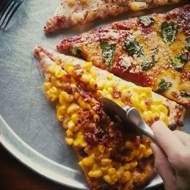 #VogueHotSpot  <보그>가 직접 방문하고 추천하는 #보그핫스팟 이태원에 위치한 #매덕스피자 한 조각만 먹어도 배부를만큼 푸짐한 크기를 자랑하는 매덕스 피자는 진한 치즈 풍미가 특징이랍니다 마카로니 치즈가 듬뿍 올라간 맥 앤 치즈 피자는 한번 맛보면 잊을 수 없는 매덕스 피자만의 하이라이트! 이번 주말엔 치맥 대신 피맥 나들이 어때요? 서울 용산구 이태원로26길 26 _ #MadduxPizza #Itaewon offers #pizza topped with rich #cheese. The #macncheese pizza is one of their signatures. #Maddux #Vogue #VogueKorea #梨泰院 #披萨 #首尔 26 Itaewon-ro 26-gil Yongsan-gu Seoul  via VOGUE KOREA MAGAZINE OFFICIAL INSTAGRAM - Fashion Campaigns  Haute Couture  Advertising…