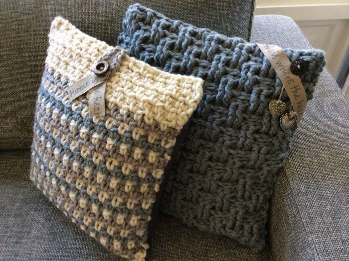 Stoere kussens met kleine sieraccenten. Haaksteken: granietsteek en basket weave. Nodig: dikke wol, haaknaald 10-12 kleur - leuk voorbeeld