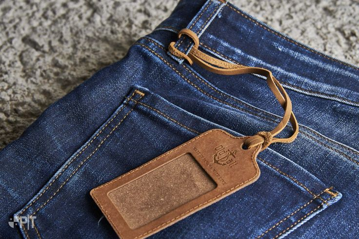 Recycled leather hang-tag made in Italy by Panama Trimmings #denim #details #vintage #labeling