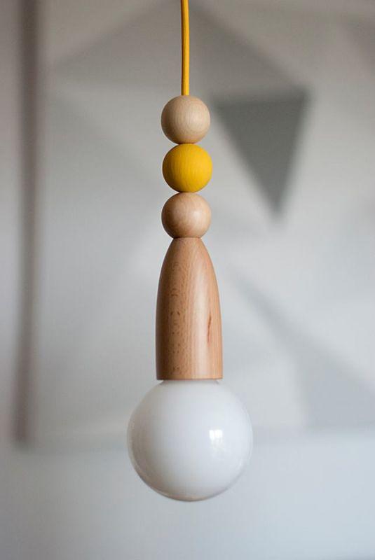 Tilka fa lámpa sárga textilkábellel
