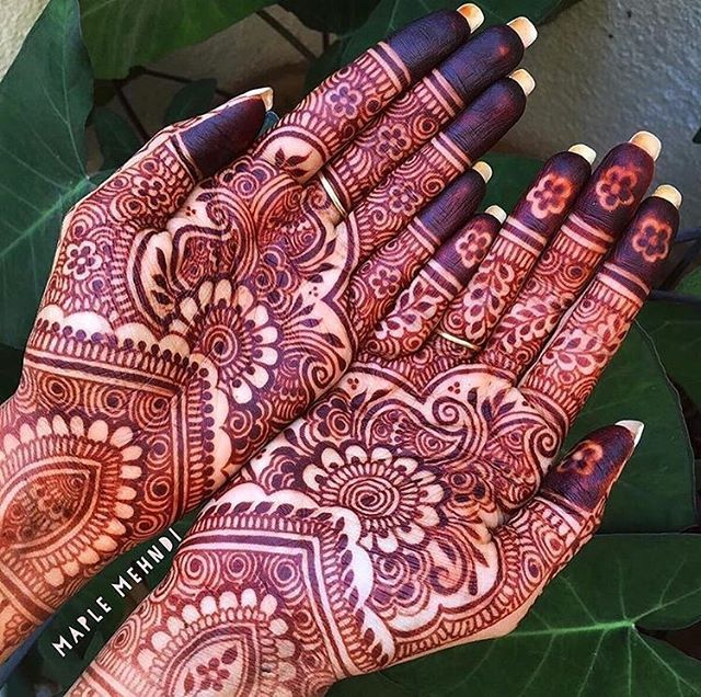 Gorgeous! Henna: @maplemehndi #indian_wedding_inspiration