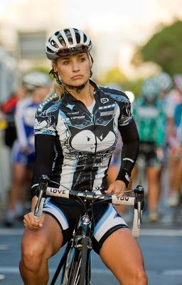American Liz Hatch, simultaneously known as a very good professional cyclist in the U.S. and for her photospread in MAXIM magazine, rece...