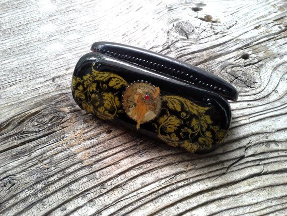 Spectacle, spectacle case, eyeglass case, decoupage box, art spectacle, gift for women, uncommon box, woman's portrait