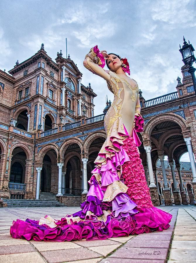Seville, Spain...Flamenco dancer in the Plaza de Espana (where Star Wars was filmed!) #travel