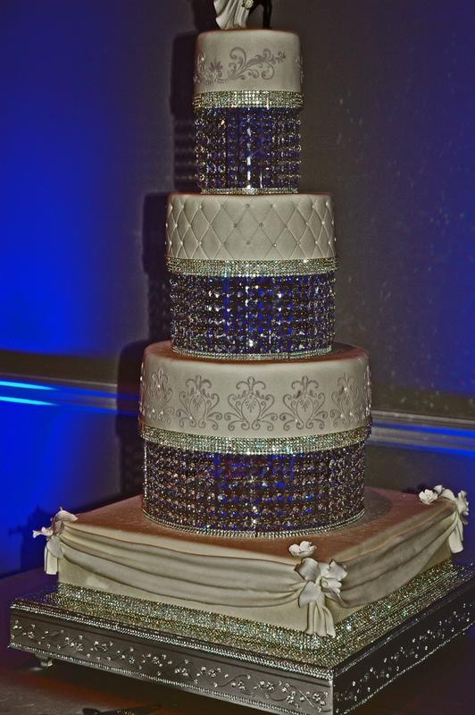 Elegant Wedding Cake With Custom Chandelier Cake Tier
