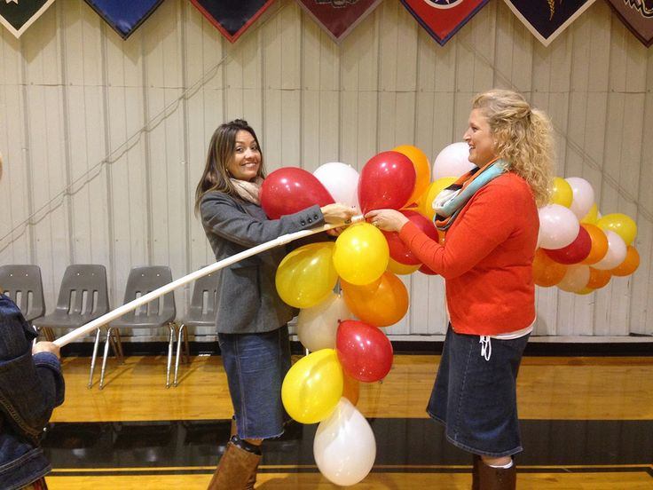 17 best ideas about balloon arch on pinterest balloon for Balloon arch no helium