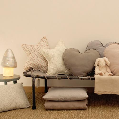 Range ta chambre - Coussins et rêverie