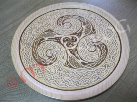 triskell_03  madera de pino pirograbado