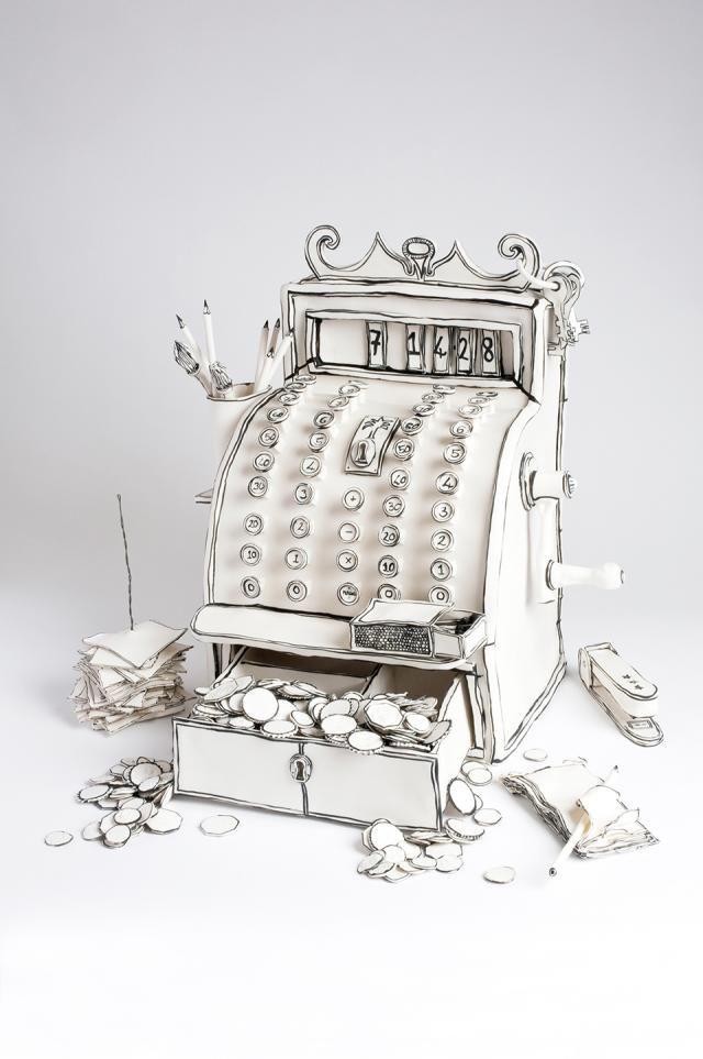 チェーンソーもミシンもぜんぶ陶器!手作り感溢れるKatharine Morlingのアート作品