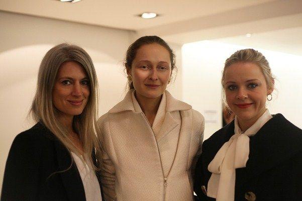 Директор рубрики «Мода» британского Vogue Сара Харрис - Поиск в Google