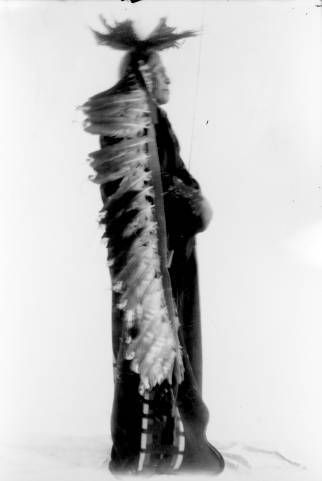 nez perce man profiled in full headdress and regalia ca 1905 frank collection agentcherokeeamerican collections agent