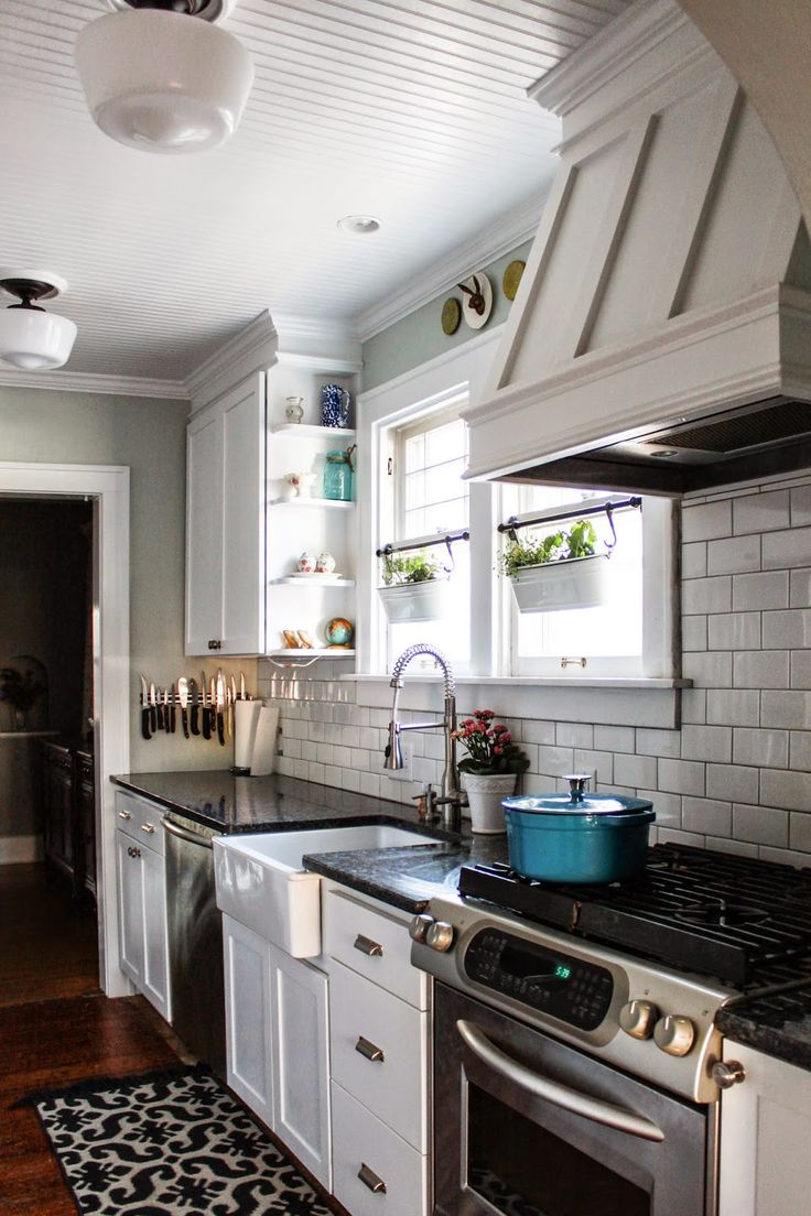 Confessions Of A Diy Aholic How To Build A Shaker Style Range Hood Galley Kitchen Remodelgalley