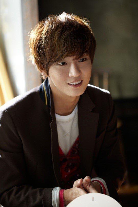 Yoon Shi-yoon eyes JTBC fantasy sageuk as comeback drama » Dramabeans Korean drama recaps