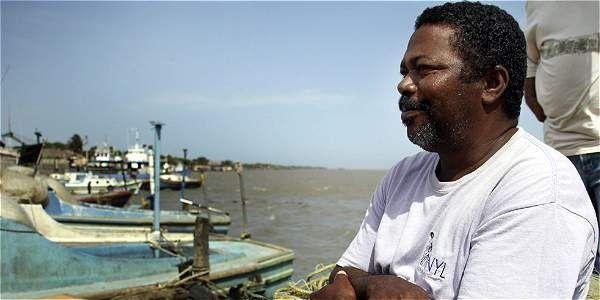 De brazos cruzados se encuentra el pescador Hernaldo Masa, que este martes cumplió 50 años de edad y cinco días sin poder salir a pescar.