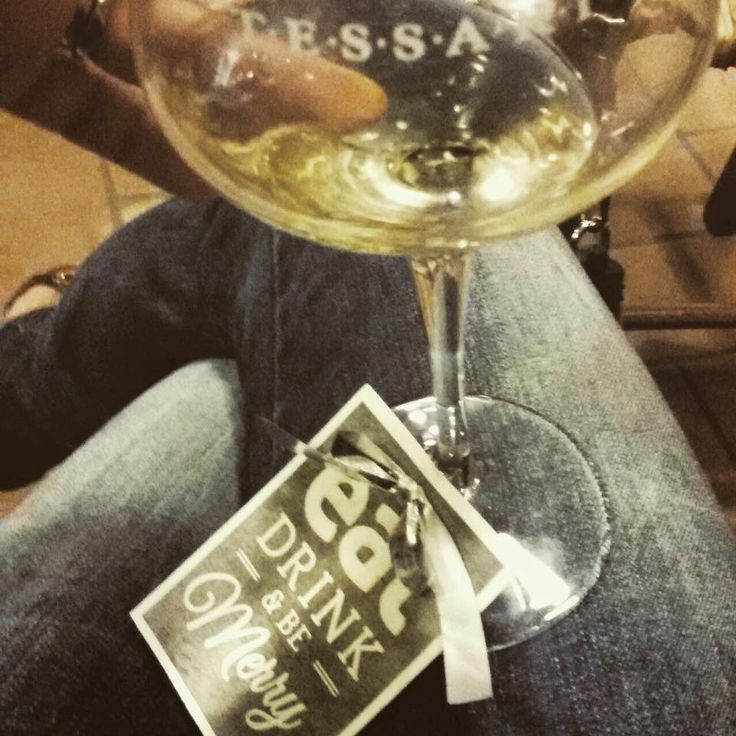 Aperitivo con le Stelle. Wine Event @ Cantina T.E.S.S.A.R.I. Soave Classico in Monteforte d'Alpone. Wine tasting and cinema event. Wine and food. Glass tag. Eat drink and be merry. Winelovers