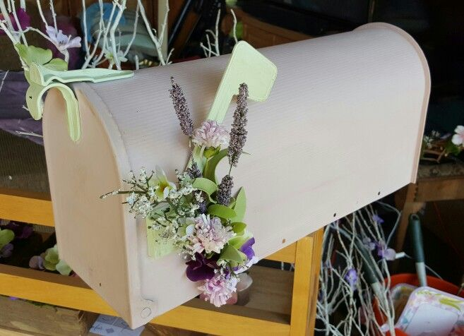 Mailbox Card Holder. Perfect for Shabby Chic wedding.