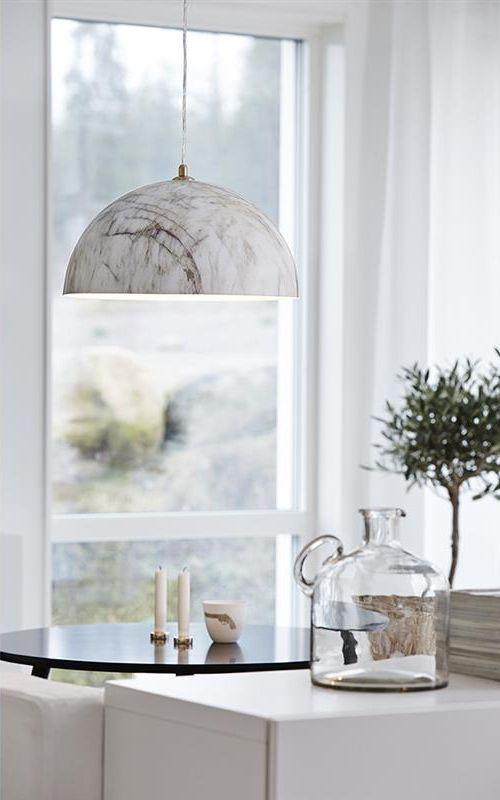 Rock är en marmorfärgad taklampa från Markslöjd. Lampan passar väldigt bra över ett köksbord eller ett matsalsbord. https://buff.ly/2xYlG86?utm_content=buffer914fe&utm_medium=social&utm_source=pinterest.com&utm_campaign=buffer