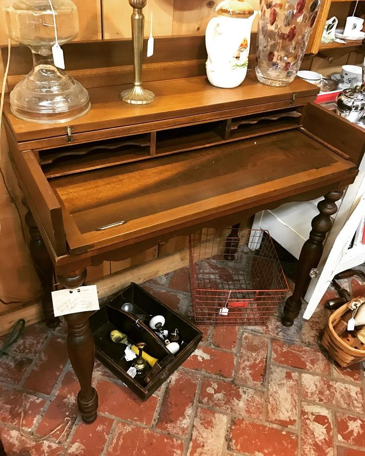 Vintage desk from dealer 36. 50% off this and everything else in their booth. #fourthstreetantiques #antiquestore #vintagestore #antiques #vintage #temecula #temeculaantiques #murrieta #sandiegovintage #temeculavintage #furniture #antiqueshopping #antiquing #temeculawinecountry #shabbychic #furniture #shoppingintemecula #french #cottagechic #vintageweddings #decorating #vintagestyle #farmstyletemecula #farmhousestyle #vintageinspiration #temeculaweddings #temeculadecor #fleamarketfinds